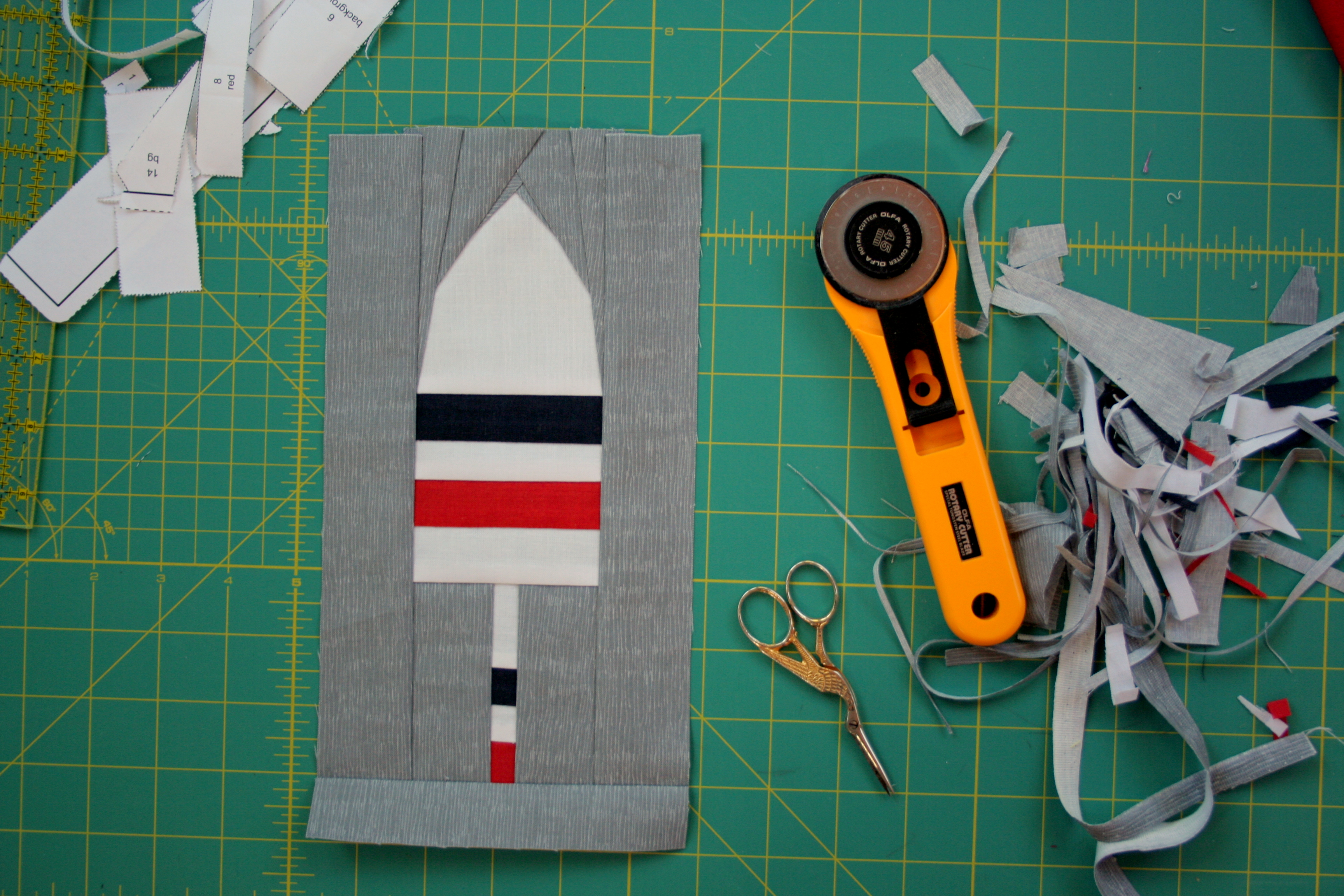 Tutorial Basic Foundation Paper Piecing Night Quilter