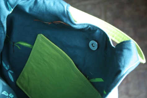 inner pocket and snap in go anywhere bag