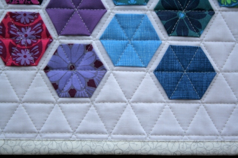 modern hexies mini quilt finish