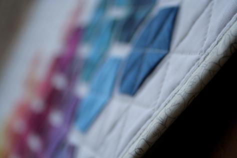 modern hexies mini quilt finish