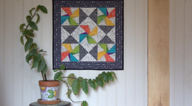 Twirling Star Mini Quilt Finish {Pattern Testing for Devoted Quilter}