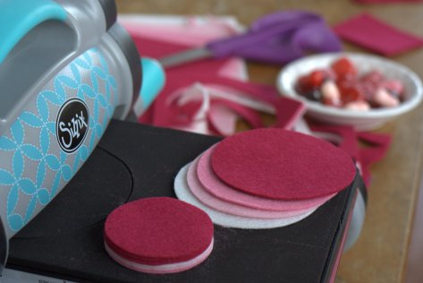 heart garland sizzix tutorial