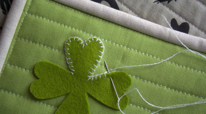 sizzix st patricks day reversible table runner tutorial blanket stitch applique