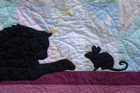 silhouette cat window mouse quilt