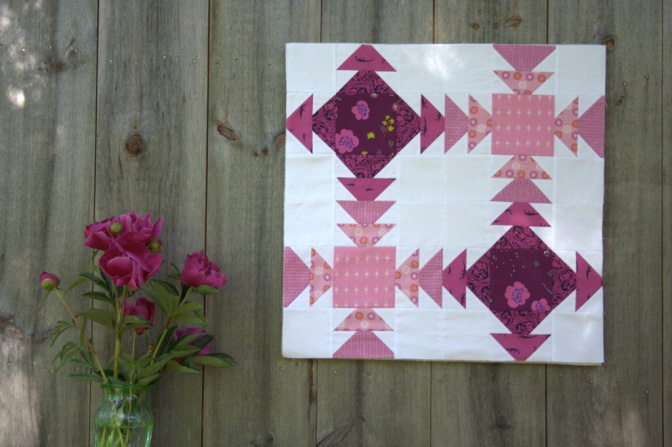 Geese Crossing Mini Quilt {Sizzix Tutorial} & Color Inspiration Thursday {72}