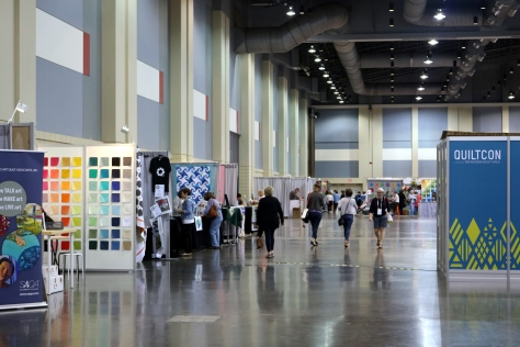 booths and vendor hall quiltcon 2017