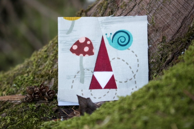 tiny tomte moss and lotus foundation paper pieced block
